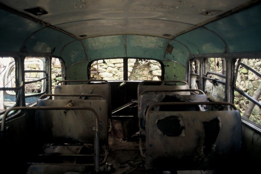 Αμείλικτος ο χρόνος, δεν σεβάστηκε ούτε το εσωτερικό στο λεωφορείο Mercedes 312 στο Λιδωρίκι.