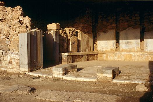 Μινωϊκή έπαυλη Αγίας Τριάδας, στη Φαιστό της Κρήτης
