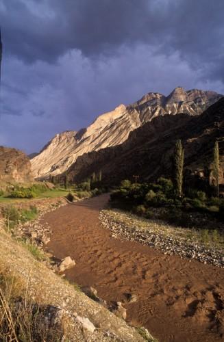 Να ΄χεις ένα ποτάμι να περνάει μές΄απ΄το χωριό σου και να ΄ναι σκέτη λάσπη...