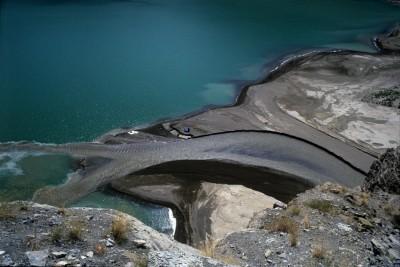 Σκηνή και μοναχικοί περίπατοι στη λίμνη του Τόρτουμ. Ενας Τούρκος που έπιασε το νόημα της ζωής.